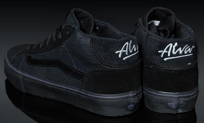 All_black_vans_tony_alva